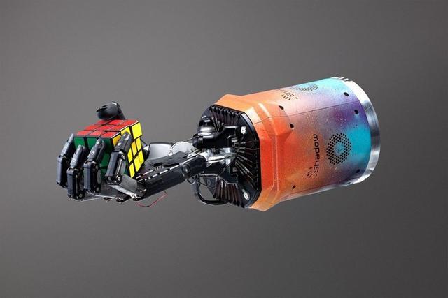 机器人可以自学单手解魔方了,这意味着什么?